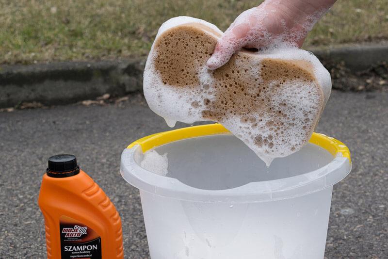 Mycie gąbką
