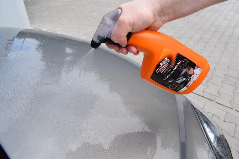 Nakładanie wosku namokro
